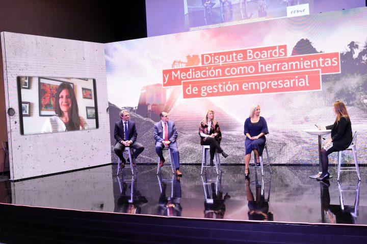 """Encuentro """"Dispute Boards y Mediación como Herramientas de Gestión Empresarial: Ejemplos y oportunidades para el Chile Actual"""""""